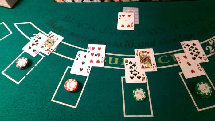 12 Things Everyone Should Know Before Stepping Up to A Blackjack Table